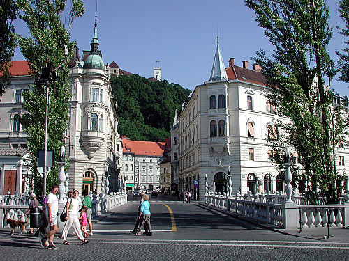 The river ljubljanica and its bridges urban hotel for Design hotel ljubljana